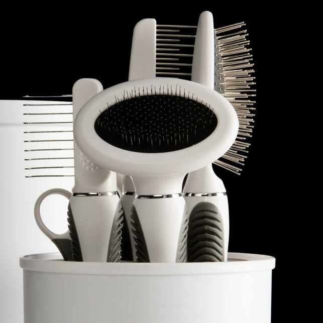 Grooming kit for longhair cats