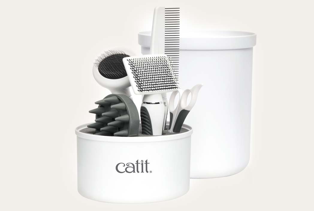 Product shot of the short hair grooming kit
