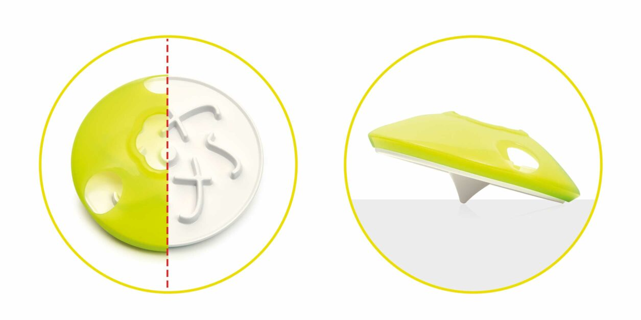 Treat spinner with dynamic spaces to hide treats in
