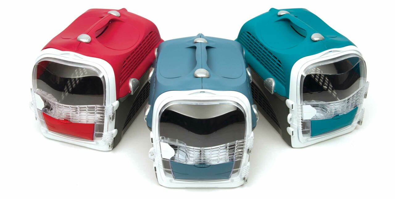 Catit Cabrio Carrier is available in 3 colours
