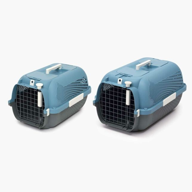 Catit Cat Carrier is available in 2 sizes: Small and Medium